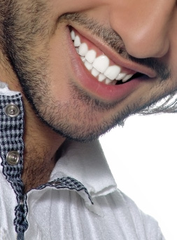 Mankirat Gill DDS a dentist in Fresno, CA specializes in Dental veneers CA